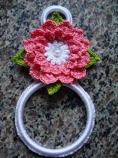 Crochet Decoration, Crochet Home Decor, Crochet Crafts, Crochet Projects, Diy Crochet, Crochet Edging Patterns, Crochet Motif, Crochet Designs, Crochet Flowers