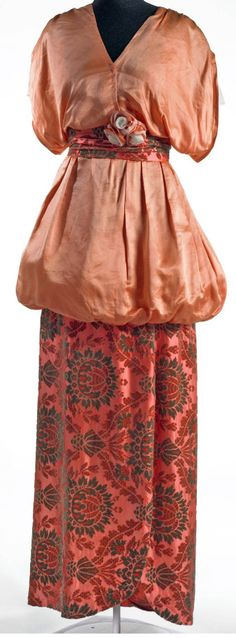 Dress, ca. 1912-14. Museum of New Zealand
