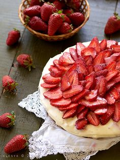 Cheesecake with mascarpone and white chocolate, and strawberry by o_lesyk, via Flickr