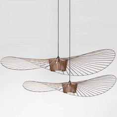 The Vertigo pendant light is an icon of Petite Friture. Created by the designer Constance Guisset it aroused the enthusiasm of design professionals. Home Lighting, Modern Lighting, Lighting Design, Pendant Lighting, Chandelier, Pendant Lamps, Luminaire Vertigo, Lampe Vertigo, Light Fittings