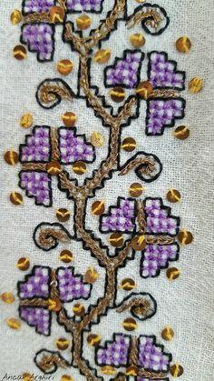 Romanian blouse detail. Muzeul Satului Bucuresti. Photo Anca Arghiri