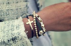 Home and Delicious style: bunch of bracelets