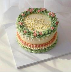Pretty Birthday Cakes, Pretty Cakes, Beautiful Cakes, Amazing Cakes, Green Birthday Cakes, Birthday Cake For Mom, Mini Cakes, Cupcake Cakes, Frog Cakes