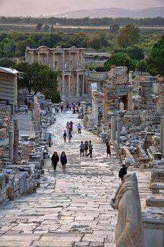 Ancient Ruins, Ancient Rome, Ancient Greece, Ancient History, Wallpaper Paisajes, Wonderful Places, Beautiful Places, Places To Travel, Places To Visit