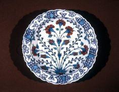 dish; Ottoman dynasty; 16thC; Iznik