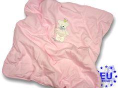 Diese flauschige #Baby #Decke (80 x 80) aus dem AM artmoda.de  #Neugeborenen Set eignet sich prima als #Schmusedecke oder #Krabbeldecke. Sehr hübsch: die kleine aufgestickte #Teddybär - #Prinzessin mit Röckchen aus echter #Spitze!