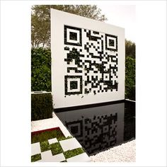 GAP Photos - Garden  Plant Picture Library - The QR Code Garden,Designer Jade Goto in collaboration with Shelley Mosco of Green Graphite Ltd, Sponsor - Scotscape Ltd, Treebox Ltd, Awarded Bronze RHS Chelsea Flower Show 2012 - GAP Photos - Specialising in horticultural photography
