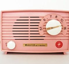 pink radio- I want one just like this  I saw one just like this recently,  Wish I'd bought it now!