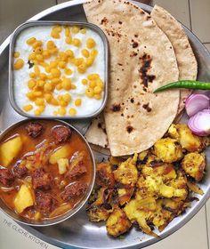 Indian Foods, Indian Food Recipes, Ethnic Recipes, Cooking Recipes Veg, Indian Street Food, Indian Kitchen, Beautiful Hijab, Aesthetic Food, Vegetarian Food