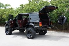 1988 Jeep Cherokee Chief Houston, Texas | Hansen Custom Trucks Inc