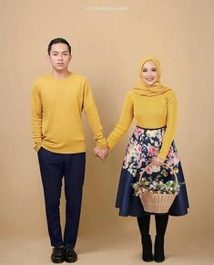 Amazing Photo by Photoshoot Concept, Couple Photoshoot Poses, Couple Photography Poses, Bridal Photography, Couple Posing, Pre Wedding Poses, Pre Wedding Photoshoot, Prewedding Hijab, Foto Wedding
