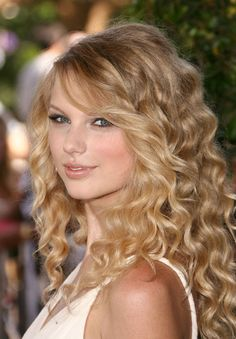 Taylor Swift: Beauti...