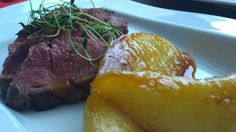 Magret de canard et melon caramélisé par Benkku81 Steak, Food, Meat, Recipe, Kitchens, Essen, Steaks, Meals, Yemek
