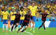 Semifinal Brasil 1 - Alemania 7: Müller celebra el primer gol de Alemania en el estadio Mineirao.