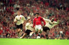 Ryan Giggs, Wales (Manchester United, Wales)