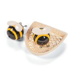 Bee Salt Pepper Shakers
