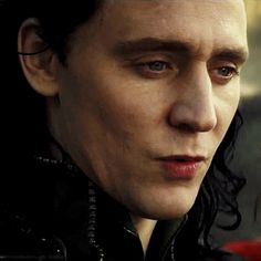 Tom Hiddleston | #Loki is pretty and pale and pretty pale :p