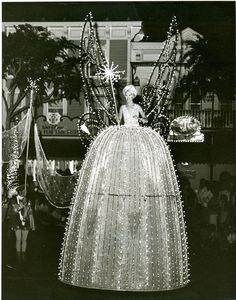 Vintage Disneyland Main St. Electrical Light Parade, I remember seeing this in the early 1970s and it was amazing, the music was fantastic