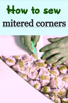 Sewing hacks: mitered corners tutorial / how to sew mitered quilt borders - Sewing Projects Easy Sewing Projects, Sewing Projects For Beginners, Sewing Hacks, Sewing Tutorials, Sewing Tips, Quilting Tutorials, Tutorial Sewing, Sewing Crafts, Techniques Couture