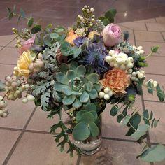 """41 likerklikk, 1 kommentarer – Botanica Blomster (@botanicablomster) på Instagram: """"Gårsdagens brudebukett. #Kineoglars2016 #bryllup #bryllupsdag #bryllup2016 #brud #brudebukett…"""" Floral Wreath, Wreaths, Home Decor, Garlands, Homemade Home Decor, Flower Crown, Decoration Home, Door Wreaths, Deco Mesh Wreaths"""