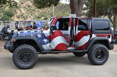 Jeep Wrangler ★ wrapped in an American Flag ★ App - Jeep Warning Lights guide…
