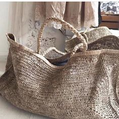 Love these bags from - Beautifully relaxed hand woven raffia XXL beach bag 🌴🌴in rustic toned natural tea colour… Great summer bag by homeware shop, Bell & Ford. 227 Me gusta 13 com best market or beach bag. hand woven the traditional way. My Bags, Purses And Bags, Alice Bag, Boho Bags, Basket Bag, Summer Bags, Summer Wear, Knitted Bags, Fashion Bags
