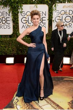 Fashion On The 2014 Golden Globes Red Carpet: Amber Heard