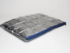"""Recycled MacBook Air 11"""" laptop case.padded.splash von AnnesBagUP, €35.00 #annehermine"""