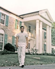 Elvis Presley Was so much fun bring the kids & Sis to Graceland where he lived in Memphis, TN!