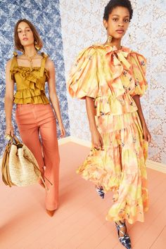 Fashion 2020, Runway Fashion, Fashion Show, Races Fashion, Women's Fashion, Fashion Images, Vogue Paris, Spring Fashion Trends, Vogue Russia