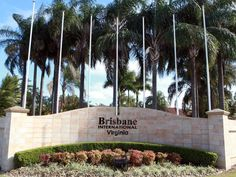 Brisbane Brisbane International Virginia Hotel Australia, Pacific Ocean and Australia Brisbane International Virginia Hotel is perfectly located for both business and leisure guests in Brisbane. Both business travelers and tourists can enjoy the hotel's facilities and services. To be found at the hotel are free Wi-Fi in all rooms, daily housekeeping, fax machine, laundromat, photocopying. Television LCD/plasma screen, carpeting, complimentary instant coffee, complimentary tea,...