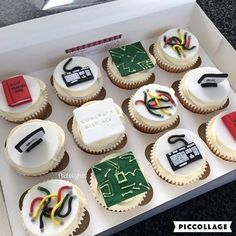 - Engineering Themed, Vanilla Cupcakes with Decorative Fondant Art on Top! TAG a Cake Lover! - Cake b Fondant Cupcakes, Fondant Toppers, Vanilla Cupcakes, Cupcake Cakes, Cupcakes Design, Cake Designs, Computer Cake, Computer Theme, Themed Cupcakes