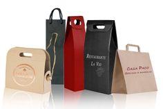 cajas y bolsas especiales para botellas. Personalizables en serigrafía o stamping.