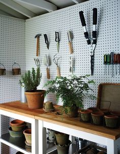 Display gardening tools artfully to prevent the space from getting too cluttered. Photographer: Michael Graydon Designer: Stacy Begg & Lauren Petroff garden shed Makeover: A Storage Shed Fit For Entertaining Storage Shed Organization, Garden Tool Storage, Storage Ideas, Storage Hooks, Storage Shed Interior Ideas, Pegboard Storage, Interior Work, Brown Interior, Storage Units