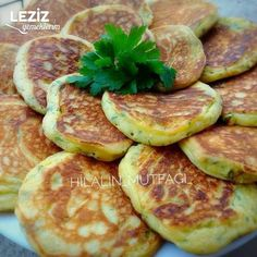 Nef bir A Nef For Your Breakfast ahval Kitchen Decor Turkish Recipes, Ethnic Recipes, Pasta Recipes, Cooking Recipes, Clean Eating, Diy Cake, Breakfast Time, Snacks, Iftar