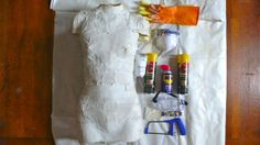DIY Dress Form, Part 1: a proper, plaster and muslin DIY dress form - great for pinning patterns/material draping!  Must make one!