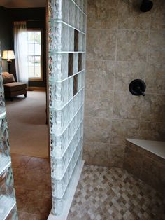 Learn about innovative glass block windows, shower, wall, bar and colored glass blocks through Columbus Glass Block – installation, design & nationwide supply.