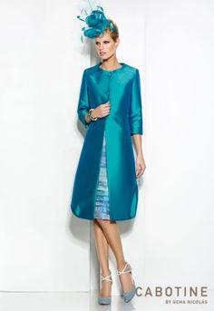 DONNA 6250  Conjunto vestido de fiesta corto en jacquard con levita en mikado