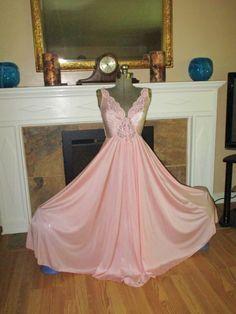 86ba80b697 Wide Sweep Vintage Nightgown M-L olga style 180 sweep by junkgal98 Vintage  Nightgown