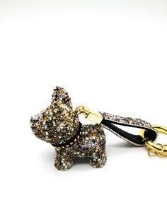 Francia bulldogos kulcstartó, fém kampóval. Stílusos kiegészítő, jó ajándék. Tökéletes karácsonyra, Valentin napra, gyereknapra, húsvétra, családtagoknak,barátoknak, szerelmünknek, szomszédainknak. Valentino, Cufflinks, Accessories, France, Wedding Cufflinks, Jewelry Accessories