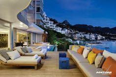 Clifton Ansicht Mansion von Antoni Associates mit Blick auf Cape Town-Südafrika: zeitgenössische Anzeige luxuriöse Innenarchitektur Ansicht Deck bunte Akzente