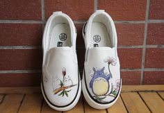 Totoro+shoes Hello.+I+suggest+you+hand+painted+shoes+.+Each+pair+of+shoes+is+unique.+ You+can+choose+any+color+of+the+background. FREE+SHIPPING!!! Work+is+executed+industrial+paints.+Drawing+on+the+shoe+does+not+tarnish+and+shoes+tolerates+the+laundry. You+can+choose+the+design+you+like....