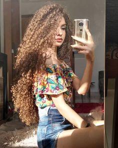 Big Curls For Long Hair, Thick Curly Hair, Long Curls, Cabelo Inspo, Bridal Hair Updo, Beautiful Long Hair, Curled Hairstyles, Long Hair Styles, Instagram