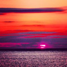 We may be biased but we think Digby sunsets are the best sunsets! @digbybackpackersinn #Photography #Digby #Sunset #Beautiful #Pink #Red #Skies #NovaScotia #Sunsets #Enjoy #PicoftheDay