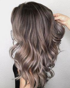 100 Perfekte Frisuren Fur Graues Haar Frisuren Graue Haare Bunte Haare Graue Haare