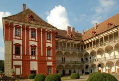 zámek Opočno Czech Republic, Castles, Mansions, House Styles, Nature, Bohemia, Luxury Houses, Nature Illustration, Off Grid