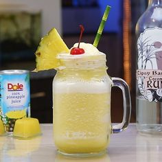 Eliminating Pineapple Juice Stains on the Carpet Tropical Mixed Drinks, Rum Mixed Drinks, Easy Mixed Drinks, Slush Recipes, Easy Drink Recipes, Alcohol Drink Recipes, Keto Recipes, Malibu Coconut, Coconut Drinks