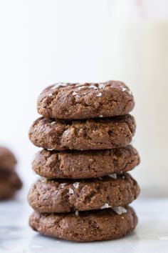 The KitchenAid® Artisan® Mini Stand Mixer can make up to 5 dozen cookies in a single batch! Try baking these Chocolate Tahini Cookies from @simplyquinoa. You can find the recipe on our blog.