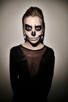 Last-Minute+Halloween+Makeup:+Glam+Skeleton+|+StyleCaster