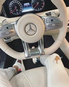 Interior do Mercedes AMG puro luxo Maserati, Lamborghini, Ferrari 458, Fancy Cars, Cool Cars, Rolls Royce, My Dream Car, Dream Cars, Supercars